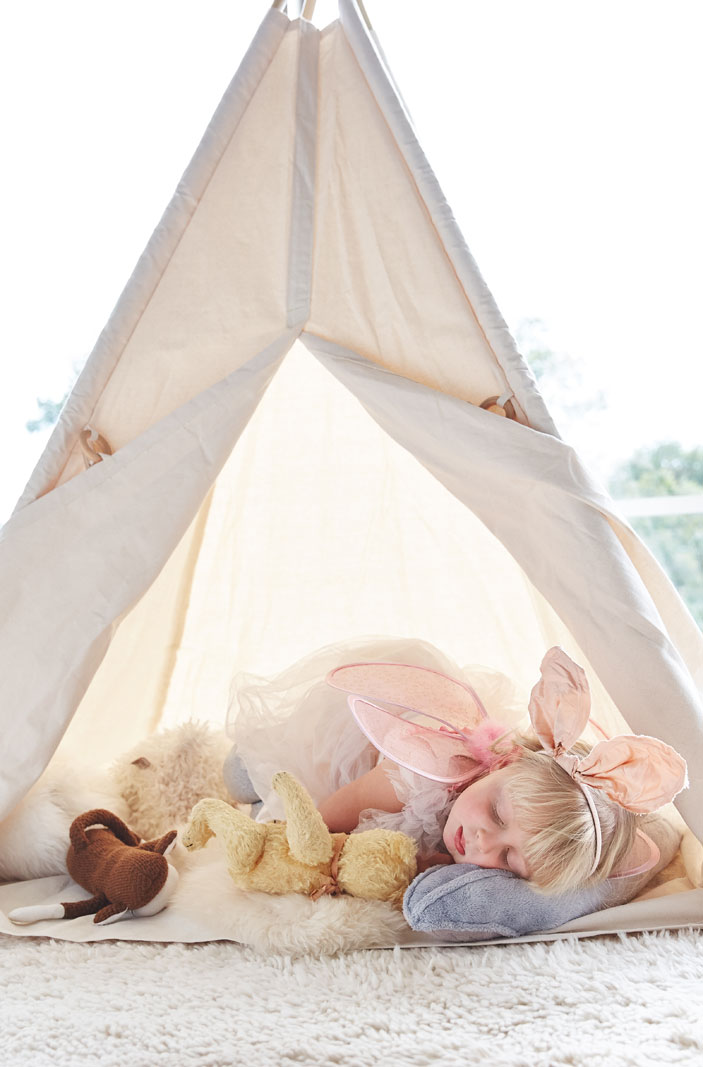 Girl sleeping in tent  | Trinette+Chris Photographers