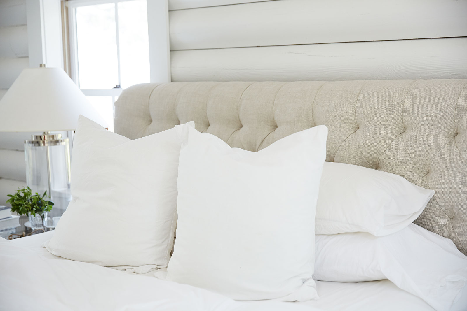 Bed with pillows  | Trinette+Chris Photographers