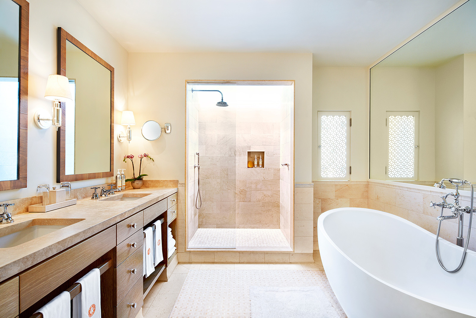 Bathrooms at Auberge Du Soleil  | Trinette+Chris Photographers