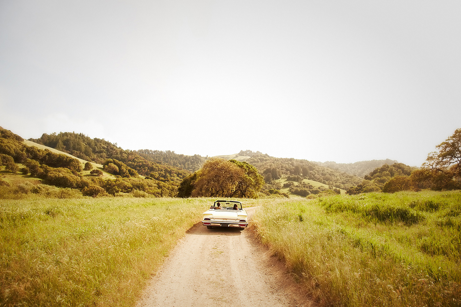 Couple on road trip in vintage car  | Trinette+Chris Photographers