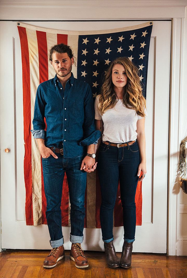 Couple with American flag in SF, CA  | Trinette+Chris Photographers